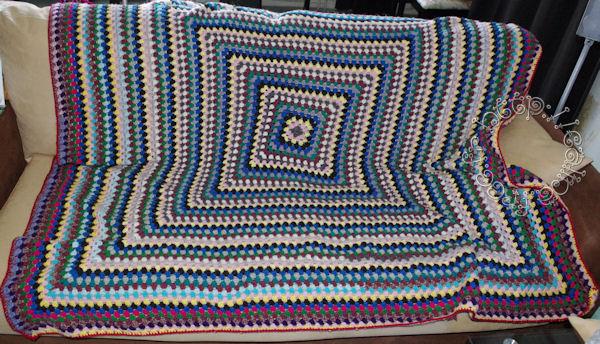 http://calina.free.fr//crochet/giant-granny/grannygiant.jpg